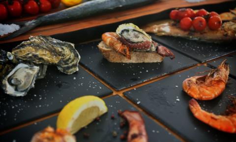 Curitiba ganha novo bar de peixes e frutos do mar nesse sábado