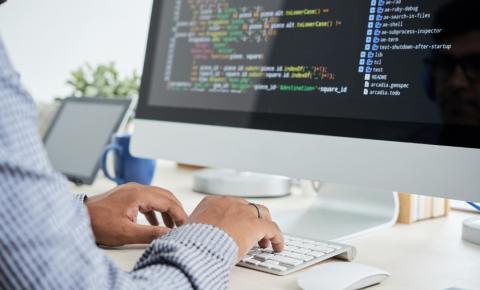 Dia do profissional de TI: Saiba como conseguir uma oportunidade numa carreira digital