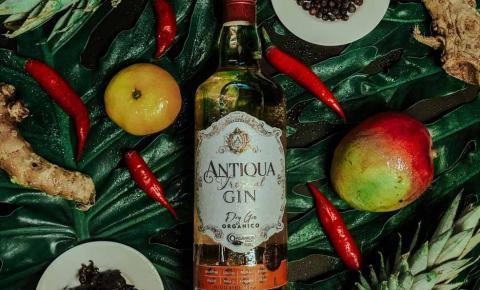 Com paladar refrescante, Antiqua Tropical Gin é o mais novo Gin da Destilaria H. Weber