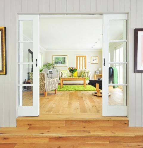 Dicas essenciais para decorar uma casa sem divisórias